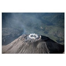 Eruption at summit of Santiaguito dome complex, Sa Poster