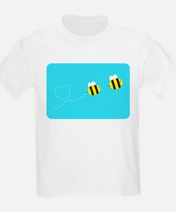 Bee In Love - Sky Background T-Shirt