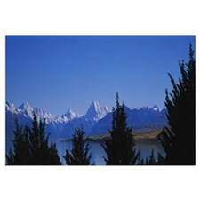 Lake in front of mountains, Lake Pukaki, Mt Cook,
