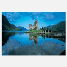 Reflection of a castle in water, Eilean Donan Cast