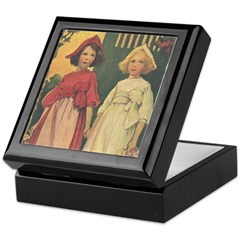 Smith's Snow White & Rose Red Keepsake Box