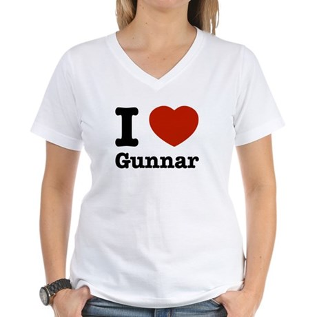 I love Gunnar Women's V-Neck T-Shirt