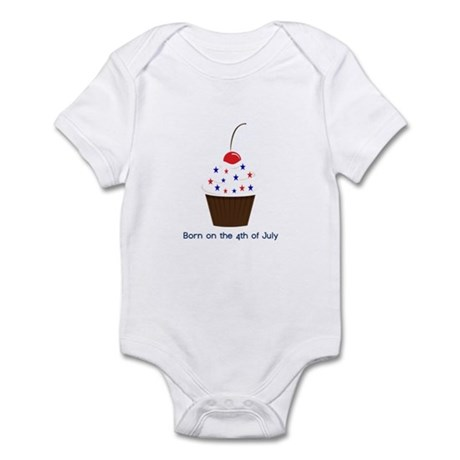 Born on the 4th of July Cupca Infant Bodysuit