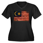Malaysia Flag Women's Plus Size V-Neck Dark T-Shir