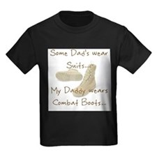 daddysuit T-Shirt