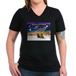 XmasSunrise/2 Dachshunds Women's V-Neck Dark T-Shi