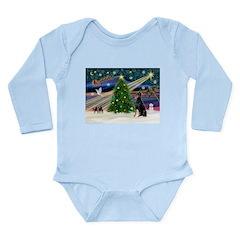 XmasMagic/Dobie (1) Long Sleeve Infant Bodysuit