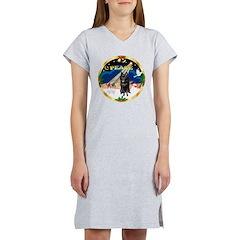 XmasSunrise/Schipperke Women's Nightshirt