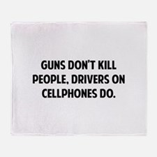 Guns don't kill people Throw Blanket