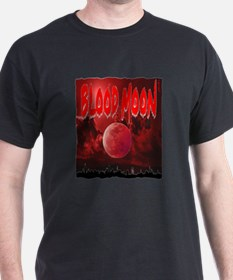 blood red moon T-Shirt