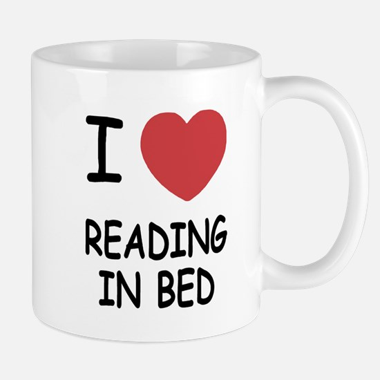 I heart reading in bed Mug