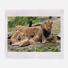 LION FAMILY Throw Blanket