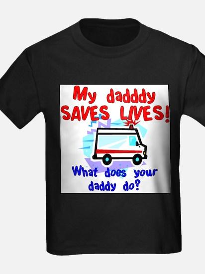 daddy saves lives ambulance T-Shirt