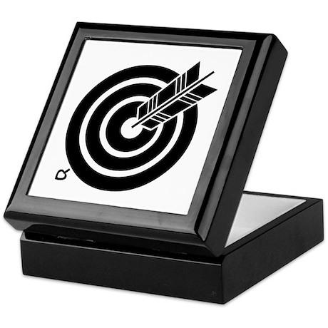 Arrow hit a round target Keepsake Box