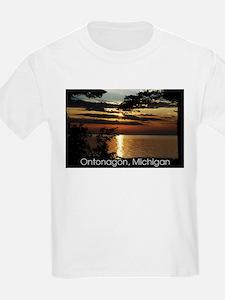 Ontonagon, Michigan Sunset T-Shirt