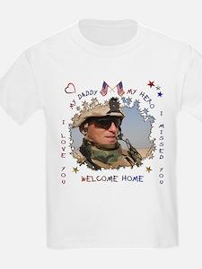 HOORAY! Daddy's HOME! Kids T-Shirt