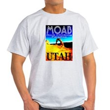 Moab, Utah Rock Climbing Para Ash Grey T-Shirt