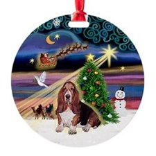 XmasMagic-Basset Hound Ornament