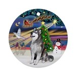 XmasMagic-Alaskan Malamute (bnrn) Ornament (Round)