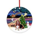 Bassett hound Round Ornaments