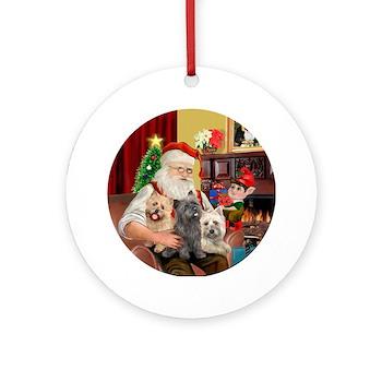 Les cairns racontent leur vie à leurs copains en décembre 2014 - Page 2 Santas_three_cairn_terriers_ornament_round
