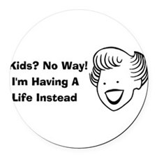 child_free_by_choice01.png Round Car Magnet