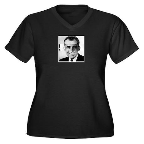I am Not a Crook! Nixon Obama Women's Plus Size V-