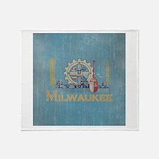 Vintage Milwaukee Flag Throw Blanket