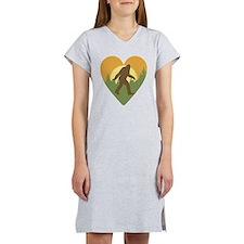 Bigfoot Love Women's Nightshirt