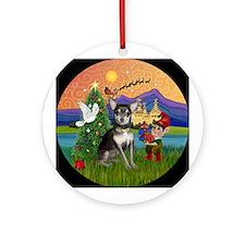XmasFantasy-Chihuahua (bl-crm) Ornament (Round)