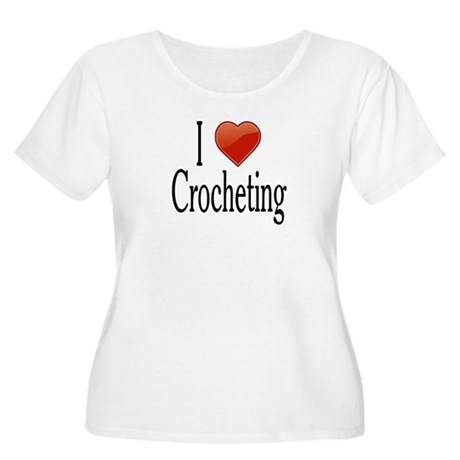 I love Crocheting Women's Plus Size Scoop Neck T-S