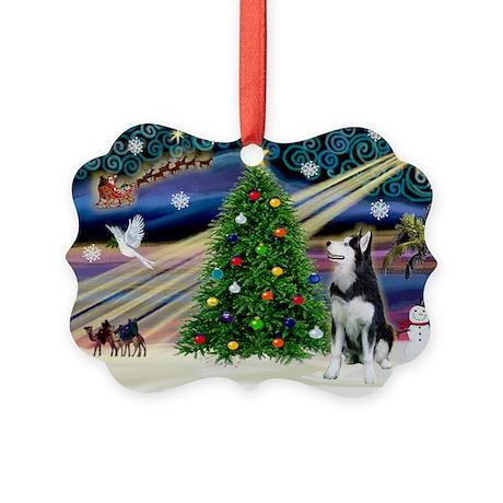 XmasMagic/Siberian Husky Picture Ornament
