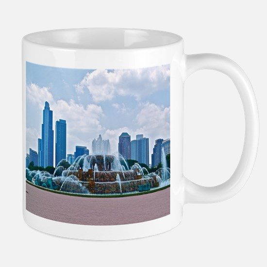 Fountain in Grant Park Chicago Mug
