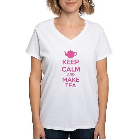 Keep calm and make tea Women's V-Neck T-Shirt