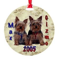 Round Ornament- Max & Gizmo 2005