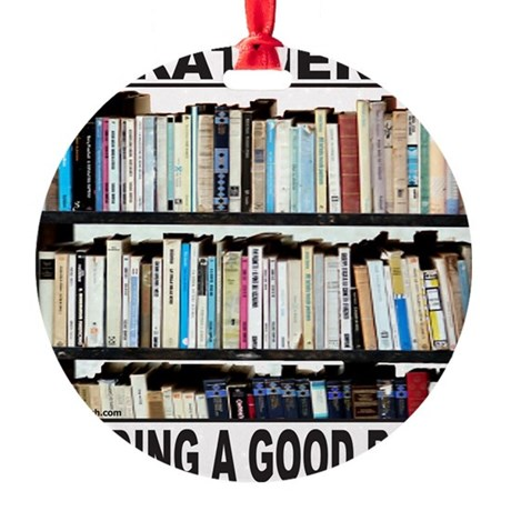 BOOK LOVER Round Ornament