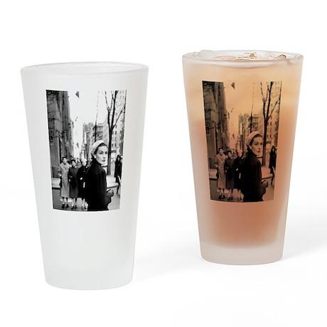 5th Avenue Stroll Drinking Glass