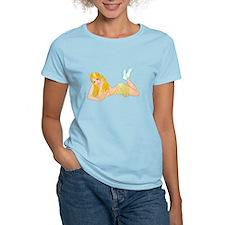Daisy - flowers pinup girl T-Shirt