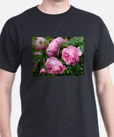 pink roses with raindrops T-Shirt