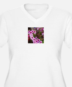 Geranium_RegalMiniPink1 T-Shirt