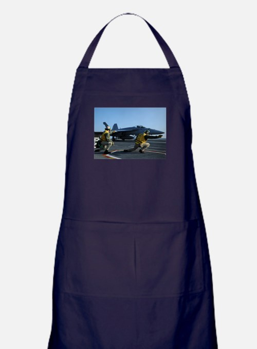 Shooters give the signal! Apron (dark)