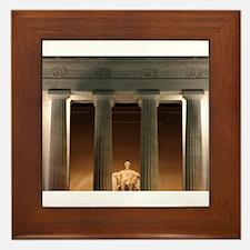Lincoln memorial at night Framed Tile