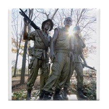 Vietnam war memorial three service men Tile Coaste