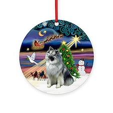 Xmas Magic & Keeshond Ornament (Round)