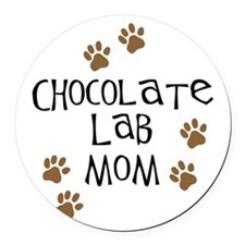 chocolate lab mom.png Round Car Magnet
