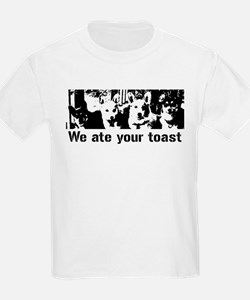 We (the corgis) ate your toast T-Shirt