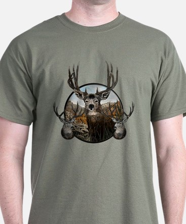 Mule deer oil painting T-Shirt