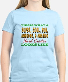 This Is What An Awesome Third Grader Looks T-Shirt