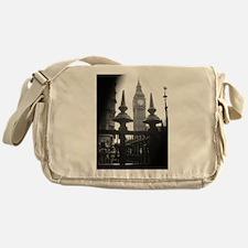 London-First Glance Messenger Bag