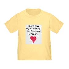 mom's heart toddler t-shirt